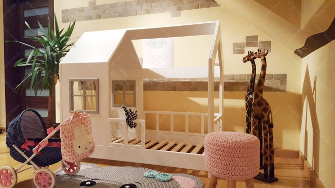 łóżko Domek Drewniane Z Barierkami Scandi House Classic Dla Dzieci